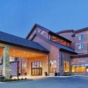 Hotels near Moose's Tooth Pub and Pizzeria - Embassy Suites Anchorage