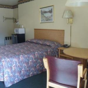 Summit At Snoqualmie Hotels - Cle Elum Travelers Inn