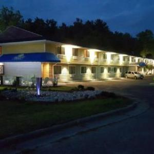 Hotels near Indian Crossing Casino - Days Inn & Suites by Wyndham Stevens Point