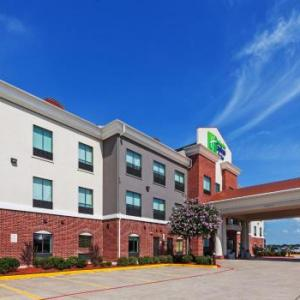Austin County Fair Hotels - Holiday Inn Express Hotel & Suites Sealy