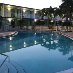 Tropical Inn & Suites downtown clearwater