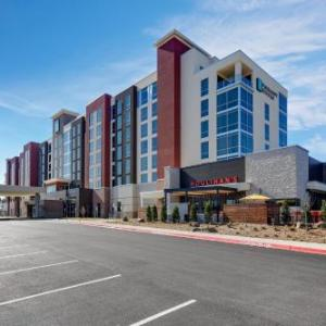 Hotels near First National Bank Arena - Embassy Suites Jonesboro - Arkansas State