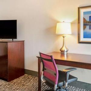 The Club at Carlton Woods Hotels - La Quinta Inn & Suites Houston - Magnolia