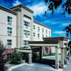 Castrol Raceway Hotels - Hampton Inn & Suites Edmonton International Airport