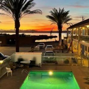 Hotels near Lake Havasu State Park - BridgeWater Hotel