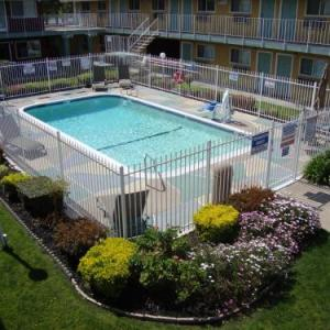 Hotels near Luther Burbank High School - Americas Best Value Inn-South/ Sacramento