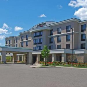 Hotels near Republic Airport - Courtyard By Marriott Republic Airport Long Island/Farmingdale
