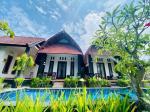 Turnu Severin Romania Hotels - Toro Cottage Pool View
