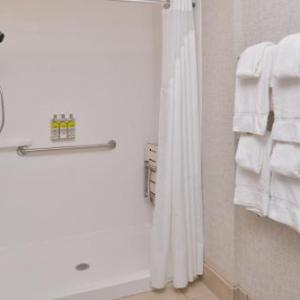 Space Coast Daily Park Hotels - Holiday Inn Express Melbourne West