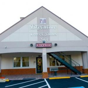 Hotels near Show Place Arena - Executive Inn & Suites