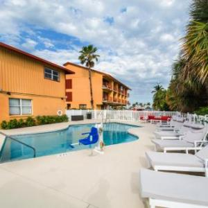 Hotels near The Inlet Grill Fort Pierce - Royal Inn Beach Hotel Hutchinson Island