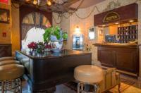 Hotel Champ De Mars Montreal Image