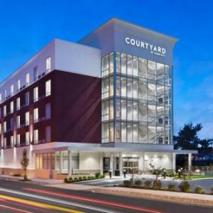 Hotels near Troy Savings Bank Music Hall - Courtyard by Marriott Albany Troy/Waterfront