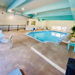 Hotels near Whiskey Barrel Music Hall - The Landmark Inn