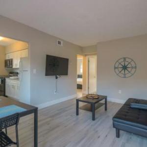 Cozy 2BR Apartment in Midtown-Wynwood