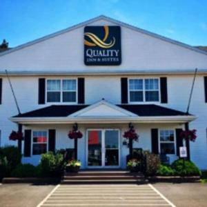 Quality Inn & Suites Cornwall