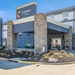 Hotels near Providence Medical Center Amphitheater - Super 8 Bonner Springs