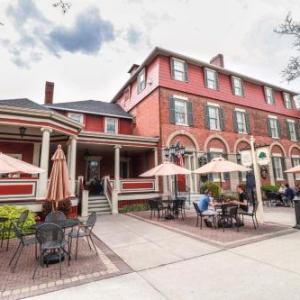 Hotels near SUNY Geneseo - Big Tree Inn