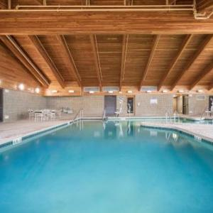 Hotels near Kress Events Center - Americinn By Wyndham Green Bay East
