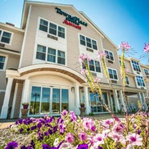 Whiskey Barrel Music Hall Hotels - Towneplace Suites By Marriott Gilford