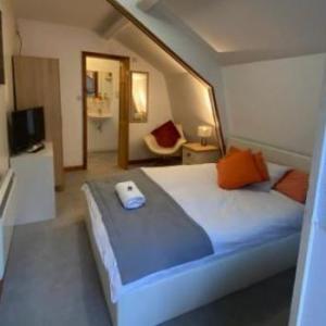 The Spotlight Hoddesdon Hotels - Woodland Lodge