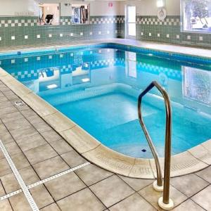 Country Inn & Suites Cincinnati Airport
