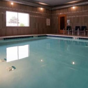 Holiday Inn Express & Suites - Aurora Medical Campus