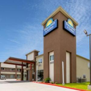 Hotels near Satellite Bar Houston - Days Inn & Suites by Wyndham Downtown/University of Houston