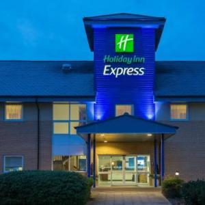 Hotels near Braintree Arts Theatre - Holiday Inn Express Braintree