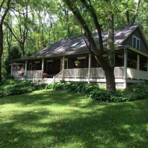 Pine Hollow Inn