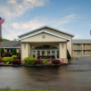Hotels near Gelston Castle Estate - Red Roof Inn & Suites Herkimer