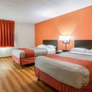 Hotels near Linden Hall Dawson - Express Inn New Stanton